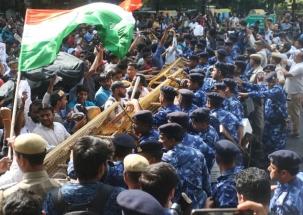 SSC paper leak: Angry aspirants stage protest in Lutyen's Delhi, demand CBI probe