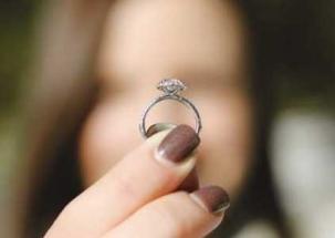 Lucknow: Women steal jewellery from jewellery shop