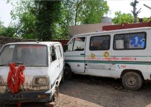 Denied ambulance, pregnant Jharkhand woman taken to hospital on bike