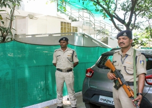 Scuffle between CRPF, MP Police as I-T dept raids 50 locations