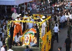 Politicians pay last respects to Manohar Parrikar
