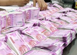 Delhi: IT dept seizes over Rs 25 crore cash from 300-safes in Chandni Chowk