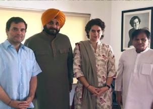 Captain Vs Sidhu: Navjot Singh Sidhu meets Rahul Gandhi, Priyanka