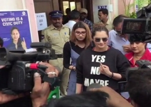 Telangana Elections 2018: Sania Mirza casts her vote in Hyderabad