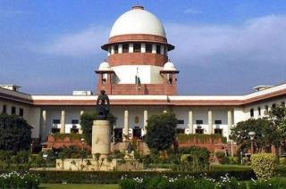 CBI officer probing FIR against Special Director moves Supreme Court