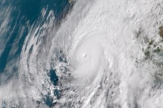 Khabar Cut To Cut: Thousands evacuates as Hurricane Willa approaches in Mexico