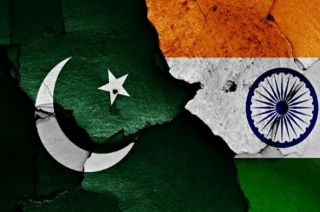 Indian diplomats ignore handshake by Pakistan officials at ICJ