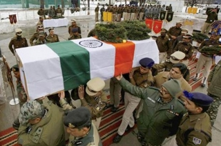 Pulwama attack: People pay homage to killed CRPF jawan in Patna