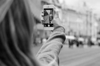 Ye Toh Hudd Ho Gayi: Taking selfie is un-Islamic, says Darul Uloom Deoband
