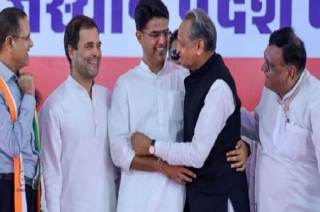 Sachin Pilot, Ashok Gehlot to fight Rajasthan polls