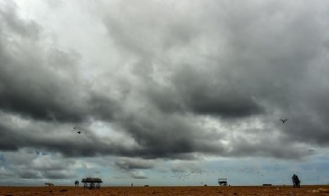Cyclone 'Fani' set to make landfall: If stuck in calamity, here are do's and don'ts that you must know